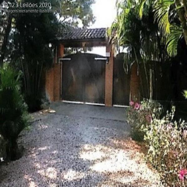 Casa com piscina Araçoiaba da Serra