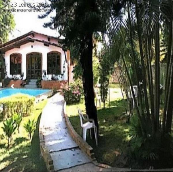 Casa com piscina Araçoiaba da Serra - área constr. 553,97 m² / terreno de 1.959,50m2